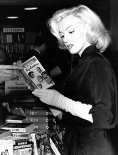 Marilyn Monroe photographed by Andre De Dienes 1953