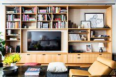 Living Room in SoHo Residence by Gachot Studios on Design Salon, Loft Design, Living Room Bookcase, Living Room Decor, Upholstered Walls, Soho Loft, Curtains Living, Industrial House, Apartment Interior