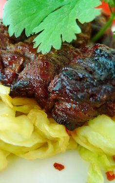 Asian Beef with Spicy Cabbage  Phase II (VLCD) Very Low Calorie Diet, Low Carb, Healthy Meals, Healthy Eating, Healthy Recipes, Asian Beef, Fresh Vegetables, Feel Better, Gourmet Recipes