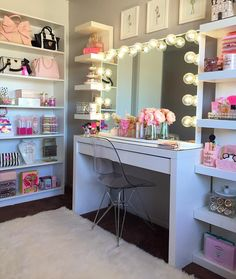 VANITY LIFE **Morning Beauty Room Inspiration** Totally crushin on this vanity! This might be one of my favorites. I like how it's tucked into the corner of the room so it has that cozy effect - Check out her page and show her some love and likes ! Sala Glam, Vanity Room, Glam Room, Makeup Rooms, Makeup Room Diy, Diy Beauty Room, Teen Girl Bedrooms, Girls Bedroom Ideas Teenagers, Teenage Girl Room Decor