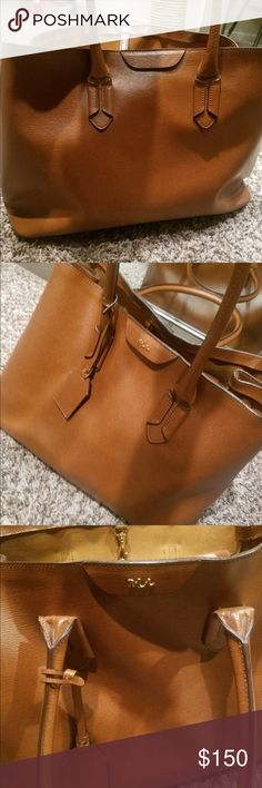 Ralph Lauren tote This tote is absolutely is excellent condition no scratches nothing!! Lauren Ralph Lauren Bags Totes
