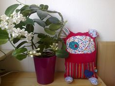 Creature - Potvor Planter Pots, Creatures, My Style, Gifts, Presents, Gifs
