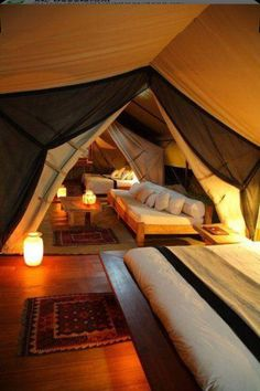 Attic tent: ingenious & fun, would make a great kid's playroom