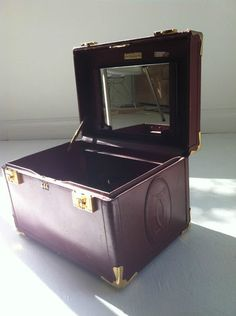 Antique les must de Cartier Travel Case Vintage Leather Jewelry Carry on Luggage