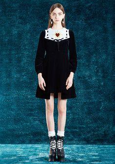 Pin on ♡ fashion ♡ Fashion 90s, Fashion Poses, Dark Fashion, Kawaii Fashion, Retro Fashion, High Fashion, Fashion Show, Vintage Fashion, Fashion Outfits