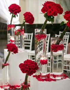Red wedding centerpieces #AEDreamWedding