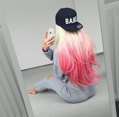 Dyed girly hair color blonde pink, blonde hair with pink ti Blonde To Pink Ombre, Blonde With Pink, Dyed Blonde Hair, Hair Color Pink, Hair Dye Colors, Blonde Color, Cool Hair Color, Pink Purple, Girly