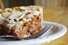 There's no wrong time of year to treat yourself to this egg and dairy-free Deep Dish Gluten-Free Apple Pie! Being naturally sweetened also makes it practically healthy! Gluten Free Apple Pie, Gluten Free Recipes, Egg Free Desserts, Dairy Free Options, Pie Recipes, Dessert Recipes, Fall Recipes, Yummy Recipes, Desert Recipes