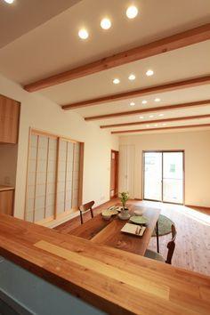 キッチンからはお子様が帰ってきたときに、 顔を合わすことができるのも嬉しいですね。 #リビング#キッチンカウンター#和モダン