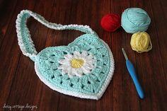 Little Girl's Purse Free Crochet Pattern...this is so cute!