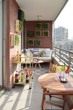 How to update your balcony for summer - Project Laurie Small Balcony Design, Small Balcony Garden, Small Balcony Decor, Outdoor Balcony, Terrace Design, Outdoor Decor, Apartment Balcony Garden, Apartment Balcony Decorating, Apartment Balconies