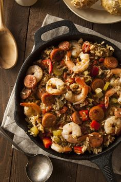 Just like you would get in New Orleans! This tongue tingling Crockpot Jambalaya Recipe is a keeper for a delicious supper any night of the week! Creole Recipes, Cajun Recipes, Slow Cooker Recipes, Crockpot Recipes, Cooking Recipes, Dinner Crockpot, Oven Recipes, Casserole Recipes, Paella