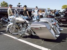 Wow..look at this road king....