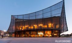 GLASS CATWALK - Project: Théâtre Les Cordeliers, Albi | France - Architect: Dominique Perrault Architecture | France - Fabricator: Marty / Plexial | France - Year of Construction: 2013 - Product: ALUCOBOND® Spectra Cupral - Photos: Manuel Panaget
