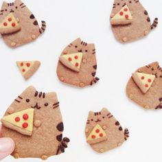 It's a perfect night for pizza & cookies! Pusheen Cakes, Pusheen Birthday, Yummy Treats, Sweet Treats, Cookie Pizza, Pizza Cookies, Kawaii Cooking, Love Pizza, Cute Cookies
