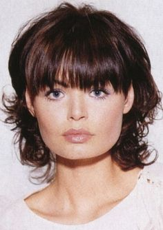 Image 146. Medium hairstyles with bangs pictures. Haircuts with bangs section 15.