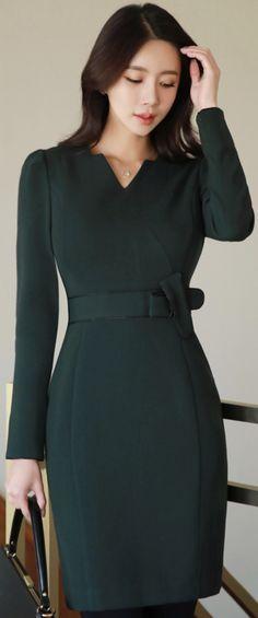 StyleOnme_Ribbon Detail Slim Fit Dress #darkgreen #modern #dress #koreanfashion #kstyle #kfashion #officelook #falltrend