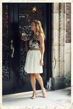 {Top: Forever 21, skirt & belt: vintage, shoes: Toni Bianco, bag: Zara, ring: Zara, necklace: Brooklyn Charm & Marc Jacobs, nails: Essie 'Jazz'}
