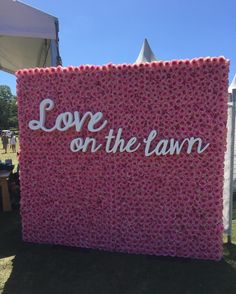 We're blogging LIVE from Love on the Lawn. Thanks to @loveonthelawn1 for having us! Love this flowerwall from @the_flowerwall   #wedding #bridalblog #bridalblogger #brides_selection #weddingideas #inspo #inspiration #weddingphotography #sydneybrides #sydney #luxe #luxury #amazing #photography #picoftheday #bride #detail #princess #couture #bridetobe #dreamwedding #relationshipgoals #bewedded #couple #cutecouple #celebration #festival #loveonthelawn by brides_selection