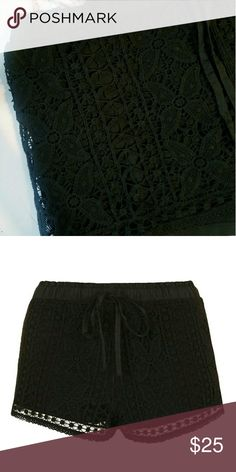 Topshop Crochet Shorts Our obsession with crochet isn't going anywhere - style these pretty shorts with a casual vest for an authentic boho feel that's perfect for festival styling. Detailed with a playful floral crochet stitching and elasticated waistband with a drawstring.  100% Cotton. Topshop Shorts