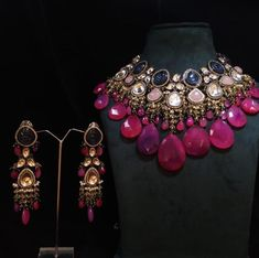 Indian Jewelry Earrings, Indian Jewelry Sets, Jewelry Design Earrings, Indian Wedding Jewelry, Bridal Jewelry, Gold Jewelry, Indian Bridal, Necklace Designs, Jewelry Box