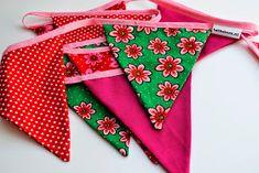 BabbeBora: vlaggenlijn van stof Basic Colors, Girl Room, Bunting, Baby Kids, Sewing Projects, Polka Dots, Lily, Diy Crafts, Baby Shower