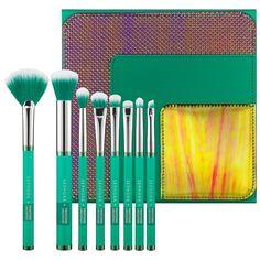 SEPHORA+PANTONE UNIVERSE Color Contour Face Brush Set - $68 #SephoraPantone #Emerald #ColoroftheYear @PANTONE COLOR
