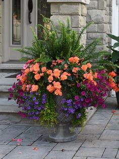 flower pots outdoor 38 DIY Garden Pots project On a Budget Diy Garden, Garden Planters, Lawn And Garden, Garden Projects, Potted Plants Patio, Fern Planters, Spring Garden, Shade Garden, Geranium Planters