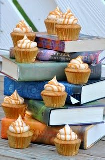 Butterbeer Cupcakes (No beer in these.  Butterbeer comes from Harry Potter books/movies - think Rootbeer)  Yumm-O