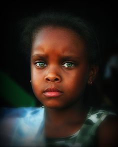 people with green eyes Beautiful Children, Beautiful Babies, Beautiful People, My Black Is Beautiful, Simply Beautiful, Beautiful Green Eyes, Pretty Eyes, Cool Eyes, Sad Eyes