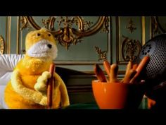 "Mr Oizo ""Flat beat"" official video directed by Quentin Dupieux with Flat..."