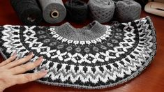 9 Tips for knitting – By Zazok Baby Boy Knitting Patterns, Fair Isle Knitting Patterns, Knitting Machine Patterns, Knit Patterns, Baby Knitting, Filet Crochet, Knit Crochet, Crochet Hooded Scarf, Icelandic Sweaters