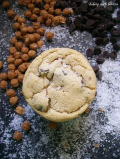 Baking with Blondie : Salted Caramel Chocolate Chip Cookies