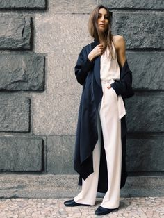 White on White | Dark Coat | Oversized Layers | Street Style | TheUNDONE #beundone