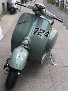 Vespa Bike, Vespa Px, Vespa Lambretta, Vespa Scooters, Classic Vespa, Italian Scooter, Vintage Vespa, Bicycle Girl, Custom Bikes