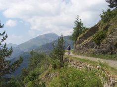 THE REZZO VALLEY: MANY ITINERARIES BY CAR For your holiday in the hinterland of the west Liguria, the best online travel agency for Liguria is Liforyou: www.liforyou.it Cheap resorts in Liguria, bike friendly hotels liguria and the best hotels in the hinterland.   Info: +39.329.8580990 – or  -  info@liforyou.it