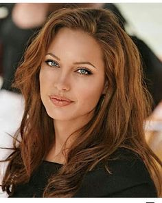 ❤️Angelina Jolie Natural Makeup Look & Hair Style❤️ Angelina Jolie Fotos, Angelina Jolie Makeup, Angelina Jolie Pictures, Angelina Jolie Style, Beautiful Celebrities, Gorgeous Women, Most Beautiful, Hollywood Actresses, Hair Beauty