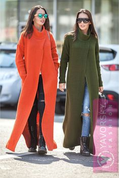 Super long dress-sweater with incision turtle neck dress Knitwear Fashion, Knit Fashion, Look Fashion, Winter Fashion, Fashion Outfits, Womens Fashion, Swag Fashion, Classic Fashion, Fashion Bags