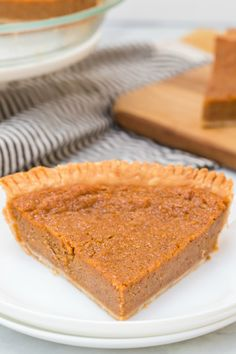 This Sweet Potato Pie recipe is the best. It goes great with any holiday meal, from roast turkey at Thanksgiving to baked ham at Easter. Easy Summer Desserts, Easy No Bake Desserts, Pie Recipes, Dessert Recipes, Easy Recipes, Family Fresh Meals, Family Recipes, Good Roasts, Homemade Snickers