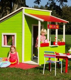フィンランド発、子供の為の小さな家、レイキモッキ(Leikkimokki)と日本の家でも製作可能な可愛いダンボールハウスについてまとめました。