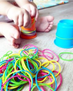 #TheKidsPlay Photo Share from @ourlittleplaynest • Thank you all for continuing to share your awesome ideas with us at #TheKidsPlay hashtag! This fabulous, no-prep activity is great for working on fine motor skills and problem solving with your toddlers! Rubber bands and cups or containers will do the trick (and probably keep your little ones busy while you throw in a load of laundry 😉). Thanks again for sharing this idea @ourlittleplaynest!