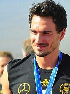 Football Soccer, Football Players, Fifa 2014 World Cup, Mats Hummels, World Cup Winners, Mr Perfect, Actors, Real Madrid, Sexy Men