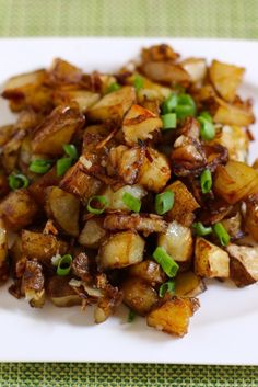 Prepare these easy oven roasted potatoes.   Your family will be amazed.  #sidedish #potatoes