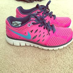 Pink nike sneakers Size 6 Nike sneakers in good condition! Nike Shoes Sneakers