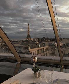 Paris discovered by on We Heart It City Aesthetic, Travel Aesthetic, Places To Travel, Places To Visit, Paris 3, Belle Villa, Travel Goals, Aesthetic Pictures, Beautiful Places
