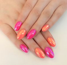 Coral and pink oval nails with magpie glitters. They are really sparkly. #pronails #calgel #magpieglitters
