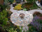 making do in the garden...bits and pieces patio...crazy paving