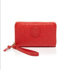 ❤️BNWT- Red Tory Burch wristlet Very cute NWT red Tory Burch wristlet. It has a detachable wristlet strap. Big enough to fit your iPhone. Measurements in second picture. Tory Burch Bags Clutches & Wristlets