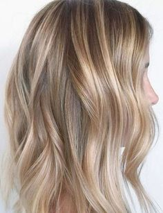 It's true, you can observe that balayage works pretty nicely with all hair lengths. Still another website to explain to you how balayage is finished. Balayage Hair Blonde, Balayage Highlights, Balayage Hairstyle, Natural Highlights, Hair And Makeup Tips, Hair Makeup, Makeup Salon, Makeup Studio, Dress Makeup