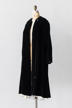 vintage 1950s Lord and Taylor black velvet opera coat